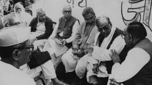 babri masjid, ബാബറി മസ്ജിദ്, babri masjid demolition, ബാബറി മസ്ജിദ് തകര്ക്കല്, 1992 december 6, 1992 ഡിസംബർ 6, babri masjid demolition case,ബാബറി മസ്ജിദ് തകര്ക്കല് കേസ്, babri masjid verdict, ബാബറി മസ്ജിദ് തകര്ക്കല് കേസ് വിധി, ayodhya, അയോധ്യ, murali manohar joshi, മുരളി മനോഹർ ജോഷി, uma bharti, ഉമാ ഭാരതി, lk advani, എൽകെ അഡ്വാനി, ab vajpay, എബി വാജ്പേയ്, liberhan commission, ലിബറാൻ കമ്മിഷൻ, ayodhya verdict, അയോധ്യ വിധി, ram temple, രാമക്ഷേത്രം, indian express malayalam, ഇന്ത്യൻ എക്സ്പ്രസ് മലയാളം, ie malayam, ഐഇ മലയാളം
