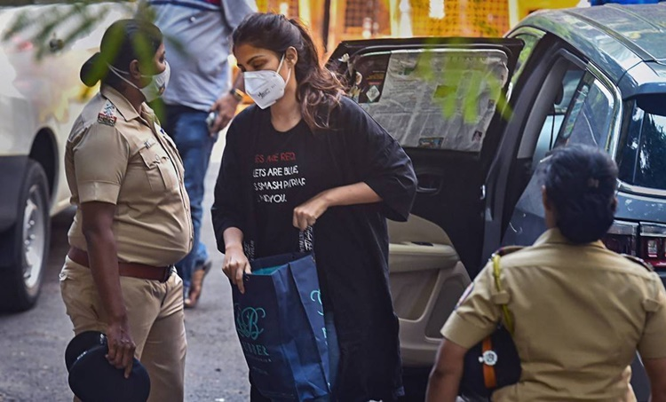 rhea chakraborty bail, rhea chakraborty arrested, rhea chakraborty bail plea hearing, rhea chakraborty drugs case, rhea chakraborty sushant singh rajput, sushant singh rajput drugs case