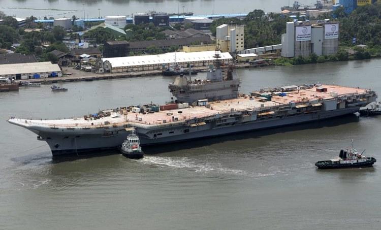 ins vikrant, ഐഎന്സ് വിക്രാന്ത്, aircraft carrier ins vikrant, വിമാനവാഹിനിക്കപ്പല് ഐഎന്എസ് വിക്രാന്ത്, indigenous aircraft carrier ins vikrant, തദ്ദേശീയ വിമാനവാഹിനിക്കപ്പല് ഐഎന്എസ് വിക്രാന്ത്, indian navy, ഇന്ത്യന് നാവിക സേന, indian navy new aircraft carrier ins vikrant, നാവിക സേനയുടെ പുതിയ വിമാനവാഹിനിക്കപ്പല് ഐഎന്എസ് വിക്രാന്ത്, southern naval command kochi,ദക്ഷിണ നാവിക കമാന്ഡ് കൊച്ചി, vice admiral ak chawla, വൈസ് അഡ്മിറല് എകെ ചൗള, indian navy glider accident, നാവിക സേന ഗ്ലൈഡര് അപകടം, kochi glider accident, കൊച്ചി ഗ്ലൈഡര് അപകടം, indian navy glider accident enquiry report, നാവിക സേന ഗ്ലൈഡര് അപകടം അന്വേഷണ റിപ്പോര്ട്ട്, indian express malayalam, ഇന്ത്യന് എക്സ്പ്രസ് മലയാളം, ie malayalam, ഐഇ മലയാളം