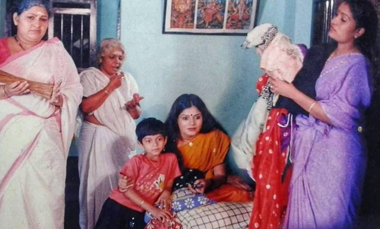 Chakkappazham, Chakkappazham latest episode, Chakkappazham today episode, Chakkappazham last episode, Chakkappazham episode 1, Chakkappazham shruthi rajanikanth childhood photo, Chakkappazham cast, Chakka pazham cast, Chakkappazham actress name, Chakkappazham serial, Sruthi Rajinikanth, hakkapazham serial painkili, Chakkapazham serial pinky, Chakkapazham serial timging, ശ്രുതി രജനീകാന്ത്, Chakkappazham actress pallavi, Chakkappazham director, Chakkappazham cast lakshmi, Chakkappazham cast lalitha, Chakkappazham episodes, Aswathy Sreeekanth, Aswathy Sreeekanth photos, Aswathy Sreeekanth videos, Aswathy Sreeekanth chakkappazham, അശ്വതി ശ്രീകാന്ത്, ചക്കപ്പഴം, ചക്കപ്പഴം പൈങ്കിളി