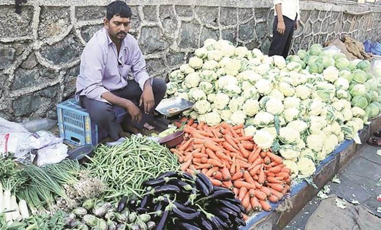 PMSVANidhi Yojana, പ്രധാനമന്ത്രി, Atmanirbhar Nidhi sheme, വഴിയോര കച്ചവടക്കാർക്കുള്ള വായ്പ, street vendor scheme beneficiaries, street vendor scheme, indian express news