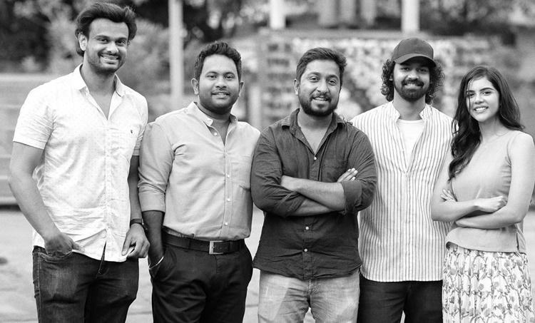 Kalyani Priyadarshan, Kalyani Priyadarshan, Pranav Mohanlal Kalyani Priyadarshan Photos, Pranav Mohanlal Kalyani Priyadarshan hridayam movie , പ്രണവ് മോഹൻ ലാൽ, കല്യാണി പ്രിയദർശൻ, Vineeth Sreenivasan, വിനീത് ശ്രീനിവാസൻ, Hridayam, ഹൃദയം, Kalyani and Pranav mohanlal in Marakkar, Kalyani Priyadarshan in Marakkar, Director Priyadarshan, iemalayalam, indian express malayalam