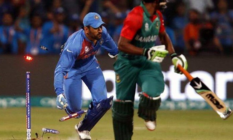 Cricket, ക്രിക്കറ്റ്, MS Dhoni, എംഎസ് ധോണി, Mahendra Singh Dhoni, മഹേന്ദ്ര സിങ് ധോണി MS Dhoni stumping, എംഎസ് ധോണി സ്റ്റമ്പിങ്, T20 World Cup 2016, India vs Bangladesh last ball win, 2016 ട്വന്റി 20 ലോകകപ്പ്, ie malayalam, ഐഇ മലയാളം