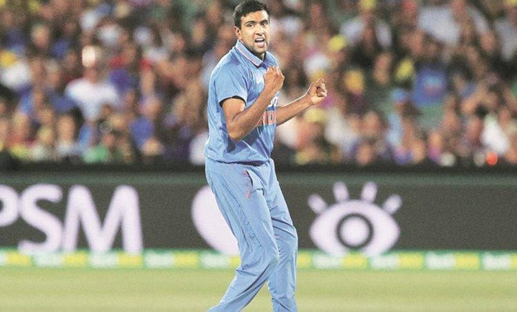 R Ashwin, Ashwin odi, Ashwin India odi squad recall, Brad Hogg, cricket news, ആർ അശ്വിൻ, അശ്വിൻ, രവിചന്ദ്രൻ അശ്വിൻ, ഇന്ത്യ, വൺഡേ, ബ്രാഡ് ഹോഗ്, ക്രിക്കറ്റ്, cricket malayalam, malayalam cricket news, ie malayalam