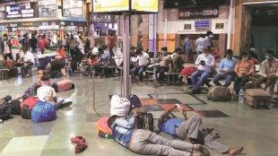 Maharashtra lockdown, Maharashtra lockdown migrant workers, Maharashtra lockdown covid-19, Maharashtra migrant workers exodus, maharashtra news, mumbai news, indian express news, കോവിഡ്, മഹാരാഷ്ട്ര, ie malayalam