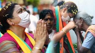 Khushbu Sundar, Khushbu, ഖുശ്ബു. BJP Leader, ബിജെപി നേതാവ്, Khushbu Apology, മാപ്പ് പറഞ്ഞ് ഖുശ്ബു, Tamil Nadu Assembly Elections 2021, Madras High Court, ECI Covid-19, ECI Covid-19 spread, Assembly Elections Covid-19, India Covid-19 second wave, Indian Express, മദ്രാസ് ഹൈക്കോടതി, തിരഞ്ഞെടുപ്പ് കമ്മീഷൻ, കോവിഡ് വ്യാപനം, കോവിഡ് വ്യാപനത്തിന് ഉത്തരവാദി തിരഞ്ഞെടുപ്പ് കമ്മീഷൻ, തിരഞ്ഞെടുപ്പ് കമ്മീഷനെതിരെ കൊലക്കുറ്റം ചുമത്താം, covid-19, tamil nadu, കോവിഡ്, തമിഴ്നാട്, ie malayalam