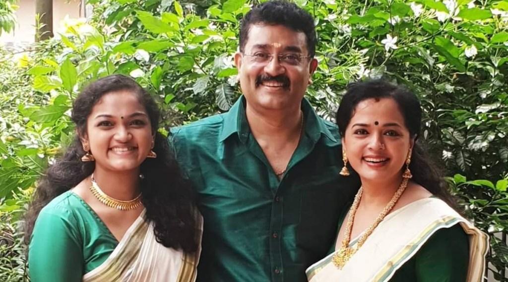 Vinduja Menon, Vinduja Menon family photos, Vinduja Menon latest photos, വിന്ദുജ മേനോൻ, Vinduja Menon films, indian express malayalam, IE malayalam
