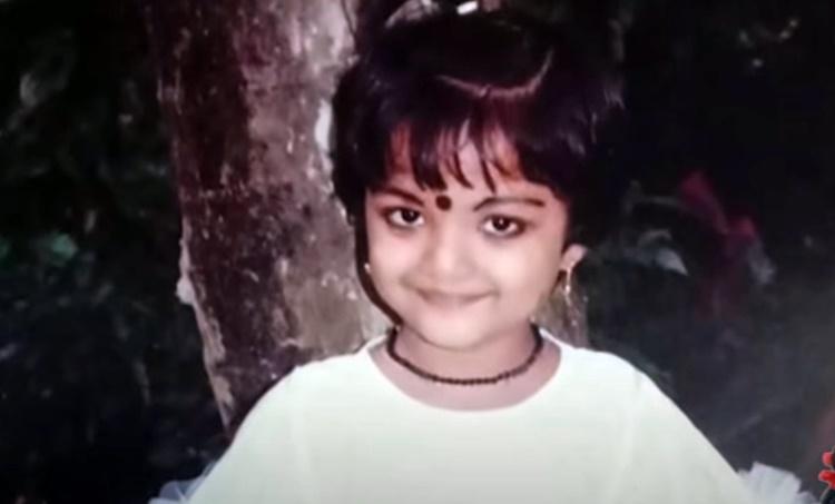 Soorya Menon bigg boss, Soorya Menon bigg boss childhood photo, Surya bigg boss, Surya bigg boss parents response, Bigg Boss Surya Manikuttan love, Oviya tamil bigg boss, Oviya Aarav love story, Big boss, ബിഗ് ബോസ്, Big Boss Malayalam Season 3