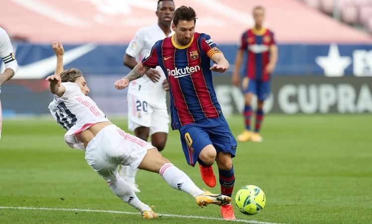 Spanish League, സ്പാനിഷ് ലീഗ്, El Classico, എല് ക്ലാസിക്കോ, Real Madrid, റയല് മാഡ്രിഡ്, FC Barcelona, ബാഴ്സലോണ, Athletico Madrid, അത്ലറ്റിക്കോ മാഡ്രിഡ്, Real Madrid vs Barcelona, Barca vs Real, Lionel Messi, ലയണല് മെസി, Messi goal, Messi Free Kick goal, sports news, കായിക വാര്ത്തകള്, football news, sports news malayalam, Indian Express Malayalam, IE Malayalam Sports, ഐഇ മലയാളം സ്പോര്ട്സ്, IE Malayalam, ഐഇ മലയാളം