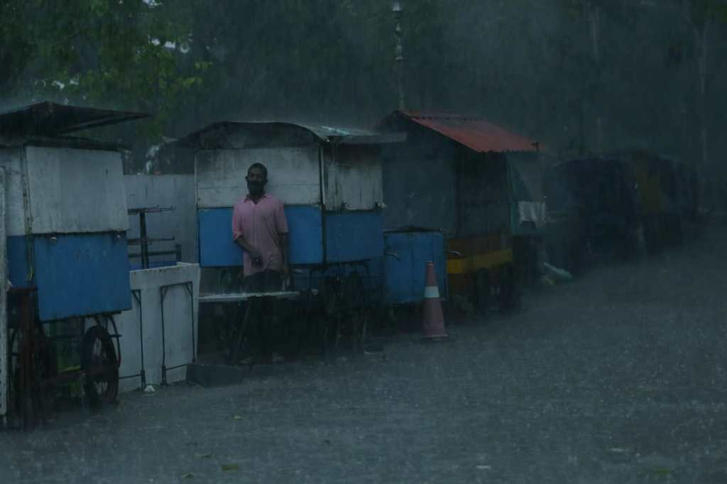 Cyclone Tauktae, Cyclone Tauktae Updates, kerala weather, kerala rain, Cyclone Tauktae Live Updates, kerala weather, മഴ, kerala rain, ന്യൂന മർദം, Arabian Sea, Low pressure, rain, ie malayalam, ഐഇ മലയാളം