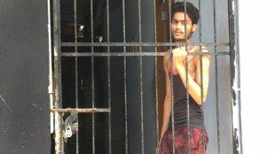 Panchayat files police case against reporter, Covid and Non Covid Migrant Workers Locked in Same Building, Kozhikode News, Perambra News, Kozhikode, Perambra, Parakkadav, Parakkavu, Local News, അതിഥി തൊഴിലാളി, covid, കോവിഡ്, കോഴിക്കോട്, പേരാമ്പ്ര, പാറക്കടവ്, മാധ്യമപ്രവർത്തകൻ, മാധ്യമപ്രവർത്തകനെതിരേ കേസ്, കോഴിക്കോട്, പേരാമ്പ്ര, Malayalam news, news in malayalam, news malayalam, ie malayalam