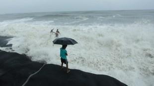 rain, kerala rain, cyclone, ie malayalam