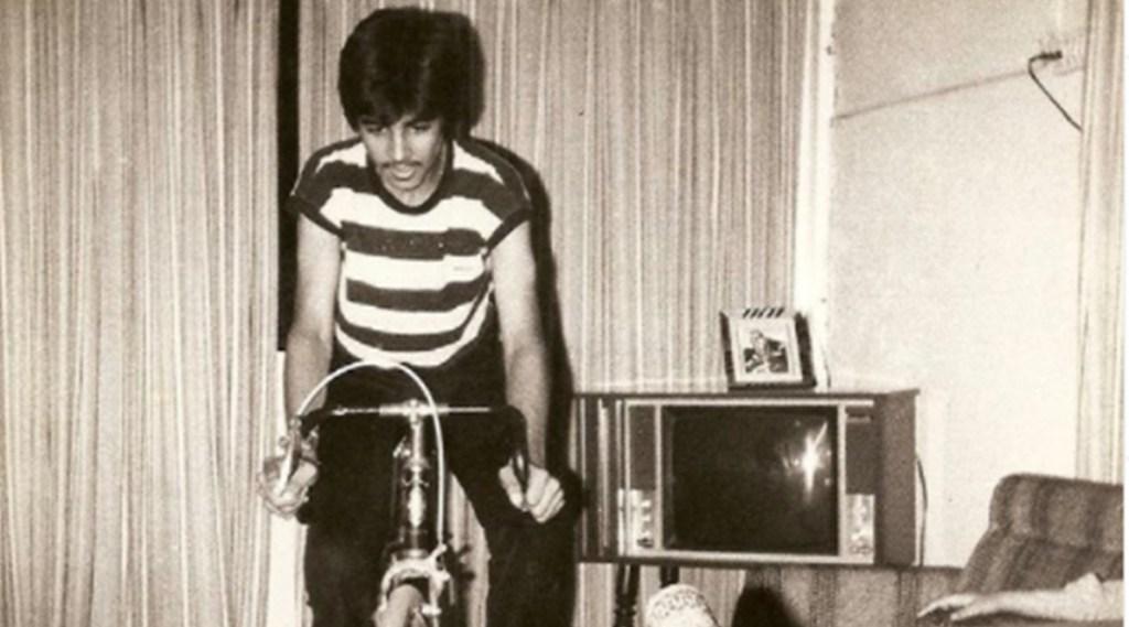 Akshay Kumar, Akshay Kumar childhood photo, Akshay Kumar highest paid Bollywood actor