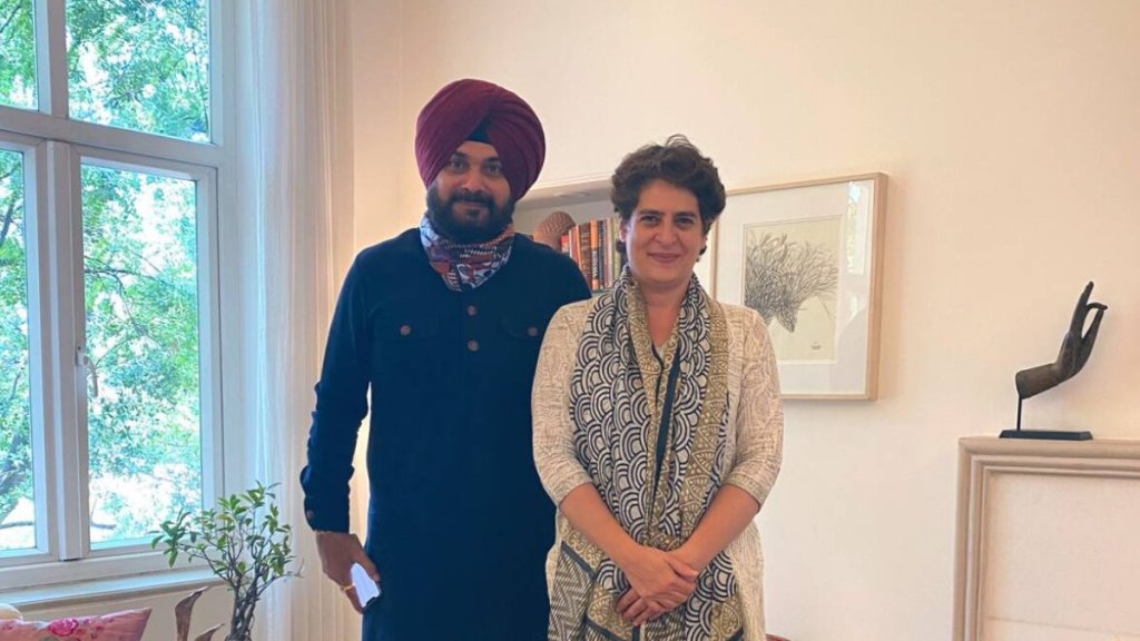 Navjot Singh Sidhu, Punjab Congress, Sidhu meets Priyanka Gandhi, Rahul Gandhi, Congress, Congress crisis, AICC, Indian Express news