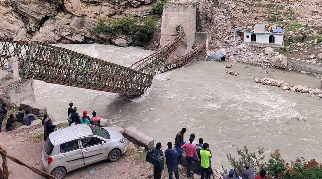 Himachal landslides, Kinnaur landslides, 9 killed in Himachal landslides, landslides, Himachal news, Indian Express, ഹിമാചൽ പ്രദേശ്, മണ്ണിടിച്ചിൽ, മഴ, കിന്നൗർ, malayalam news, news in malayalam, malayalam latest news, latest news in malayalam, ie malayalam
