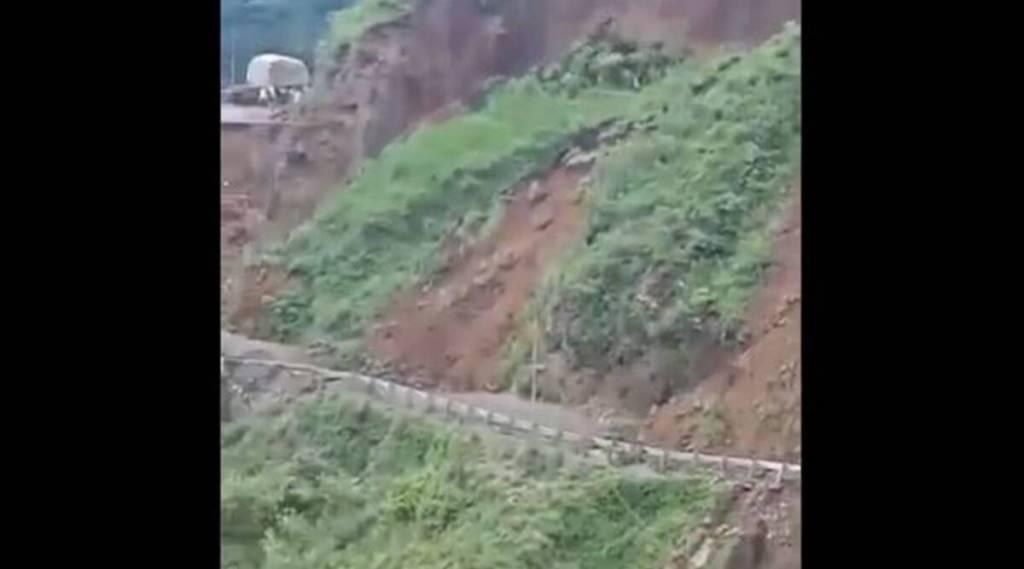 landslide, Himachal Pradesh landslide, sirmaur landslide, NH 707, massive landslide in Himachal, heavy rainfall in Himachal Pradesh, landslide in Nahan, Indian express news