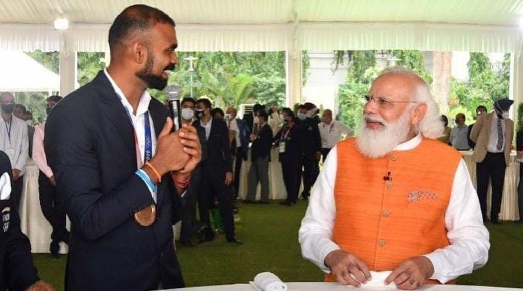 Tokyo Olympics India, Indian Olympic medal winners, PR sreejesh, Modi interaction, Modi with olympic medalist, PR Sreejesh Hockey, Indian hockey team, ie malayalam