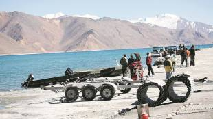 Indian army, India-China relations, LAC standoff, India-China border dispute, Chinese troops, Chinese army, Indian Express, ie malayalam