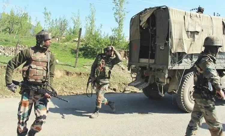 Jammu and Kashmir encounter, Poonch encounter, Indian Army, militants, Indian Express, കശ്മീർ, ഏറ്റുമുട്ടൽ, രണ്ട് സൈനികർ കൊല്ലപ്പെട്ടു, Malayalam News, IE Malayalam