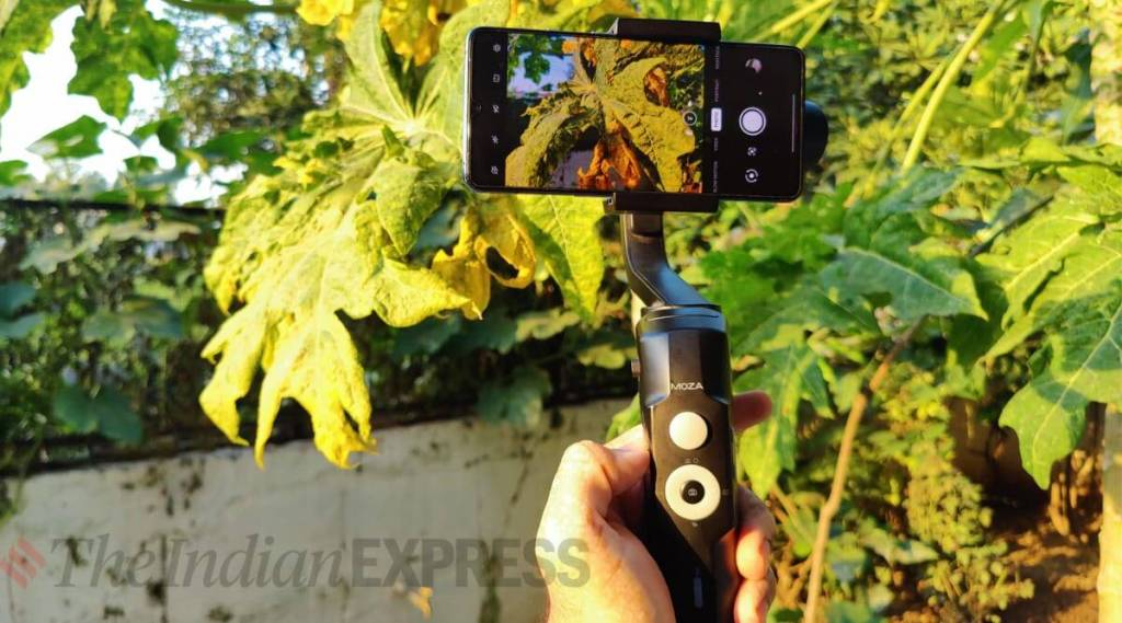 smartphone filmmaking, How to shoot mobile video, best gimbals, best mics, smartphone video equipment, DJI Osmo, Rode mic, Moza Mini S, Ring lights, best tripods, ഗിംബൽ, ജിംബൽ, ട്രൈപോഡ്, സ്മാർട്ട്ഫോൺ, ലാപൽ മൈക്ക്, ലാവ് മൈക്ക്, ലാവിയൽ മൈക്ക്, ഷോട്ട്ഗൺ മൈക്ക് , IE Malayalam